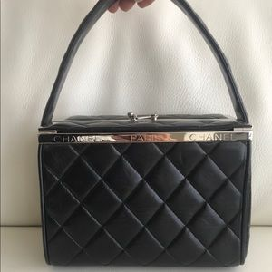 CHANEL Vintage Quilted Box Bag in Black Lambskin